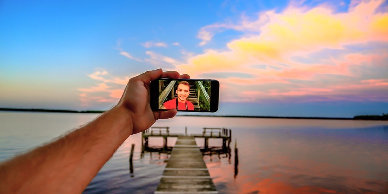 Use videoconferencing for personal conversations wherever you are in the world